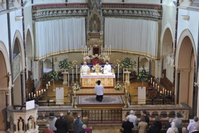 deacon_sullivan_during_mass.jpg